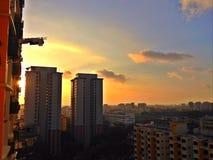 Ανατολή πέρα από τη κατοικήσιμη περιοχή, Σιγκαπούρη Στοκ εικόνα με δικαίωμα ελεύθερης χρήσης