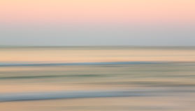 Ανατολή πέρα από τον ωκεανό με λοξά παν Στοκ εικόνα με δικαίωμα ελεύθερης χρήσης