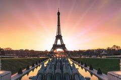 Ανατολή πέρα από το Παρίσι στοκ εικόνα