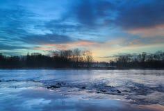 Ανατολή ποταμών Στοκ εικόνες με δικαίωμα ελεύθερης χρήσης