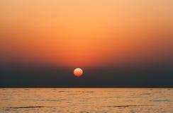 Ανατολή σε Ινδικό Ωκεανό/το Φούτζερα Ε.Α.Ε. Στοκ Φωτογραφίες