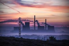 Ανατολή σταθμών ηλεκτροπαραγωγής Στοκ Εικόνες