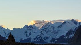 Ανατολή στα βουνά Χρονικό σφάλμα 4K φιλμ μικρού μήκους