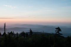 Ανατολή στα βουνά Στοκ φωτογραφία με δικαίωμα ελεύθερης χρήσης