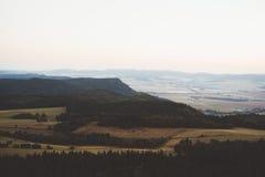 Ανατολή στα βουνά στοκ εικόνα με δικαίωμα ελεύθερης χρήσης