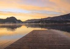 Ανατολή στην αιμορραγημένη λίμνη Στοκ φωτογραφίες με δικαίωμα ελεύθερης χρήσης