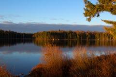 Ανατολή στη λίμνη γλάρων Στοκ Φωτογραφία