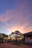 Ανατολή στη θέση για κατασκήνωση στο εθνικό πάρκο Serengeti, Τανζανία Στοκ εικόνα με δικαίωμα ελεύθερης χρήσης