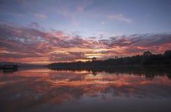 Ανατολή στον ποταμό Ταϊλάνδη φεγγαριών Στοκ Φωτογραφία