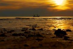 Ανατολή στον ωκεανό Στοκ εικόνες με δικαίωμα ελεύθερης χρήσης