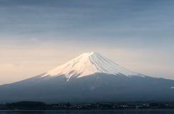 Ανατολή στο βουνό Φούτζι fujisan από τη λίμνη Kawaguchigo σε Yamana Στοκ φωτογραφία με δικαίωμα ελεύθερης χρήσης