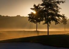 Ανατολή στο γήπεδο του γκολφ στοκ εικόνα με δικαίωμα ελεύθερης χρήσης