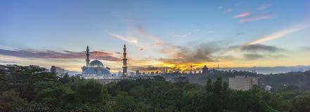 Ανατολή στο ομοσπονδιακό μουσουλμανικό τέμενος, Κουάλα Λουμπούρ Μαλαισία Στοκ φωτογραφία με δικαίωμα ελεύθερης χρήσης