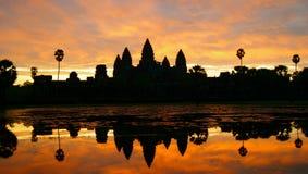 Ανατολή στο angkor wat Στοκ φωτογραφία με δικαίωμα ελεύθερης χρήσης
