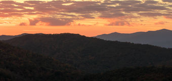 Ανατολή στο Appalachians της δυτικής βόρειας Καρολίνας Στοκ φωτογραφίες με δικαίωμα ελεύθερης χρήσης