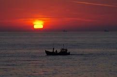 ανατολή της θάλασσας τη&sigma Στοκ φωτογραφία με δικαίωμα ελεύθερης χρήσης