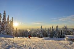 Ανατολή λόφων σκι βουνών αγριόγαλλων Στοκ Εικόνες