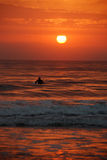 Ανατολή Surfer, ακτή ηλιοφάνειας, Αυστραλία Στοκ εικόνες με δικαίωμα ελεύθερης χρήσης