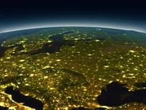 Ανατολική Ευρώπη από το διάστημα το βράδυ διανυσματική απεικόνιση