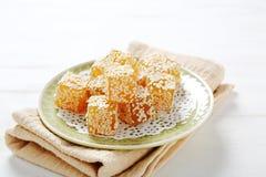 Ανατολικό γλυκό πορτοκάλι σε ένα πιάτο Στοκ φωτογραφίες με δικαίωμα ελεύθερης χρήσης
