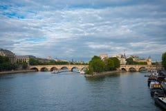 αναφέρετε de ile Λα neuf Παρίσι pont Στοκ φωτογραφία με δικαίωμα ελεύθερης χρήσης