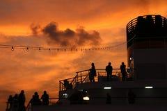 Αναχώρηση σε μια κρουαζιέρα Στοκ φωτογραφίες με δικαίωμα ελεύθερης χρήσης