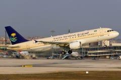 Αναχώρηση airbus αερογραμμών Saudia A320 Στοκ φωτογραφίες με δικαίωμα ελεύθερης χρήσης