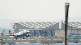 Αναχώρηση airbus A320 της Lufthansa φιλμ μικρού μήκους