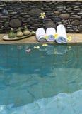 αναχώρηση means pool spa των πετσετών Στοκ εικόνες με δικαίωμα ελεύθερης χρήσης