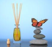 Αναψυκτικό αέρα Aromatherapy και ισορροπημένες πέτρες με την πεταλούδα 3 Στοκ εικόνα με δικαίωμα ελεύθερης χρήσης