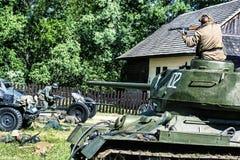 Αναδημιουργία του δεύτερου παγκόσμιου πολέμου, ρωσικές θανατώσεις Γερμανία στρατιωτών ιππικού Στοκ Εικόνα