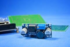 Αναλογικό ηλεκτρονικό κύκλωμα - σχεδιασμένο συνήθεια PCB στοκ φωτογραφίες με δικαίωμα ελεύθερης χρήσης
