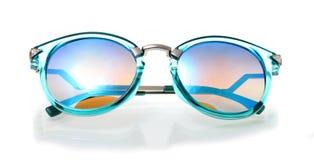 Αναδρομικά γυαλιά ηλίου στο άσπρο υπόβαθρο, κλασικά γυαλιά ηλίου, Vinta Στοκ εικόνες με δικαίωμα ελεύθερης χρήσης