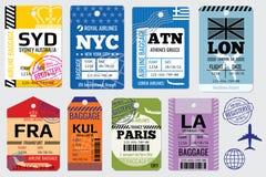 Αναδρομικές ετικέττες αποσκευών και διανυσματικό απόθεμα ταξιδιού ελεύθερη απεικόνιση δικαιώματος