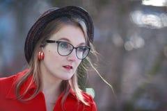 αναδρομική γυναίκα ύφου&sigm Στοκ Φωτογραφίες