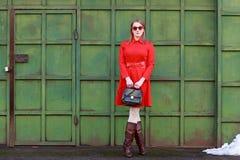 αναδρομική γυναίκα ύφου&sigm Στοκ εικόνες με δικαίωμα ελεύθερης χρήσης