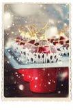 Αναδρομική κάρτα που απομονώνεται στο λευκό με τις κόκκινες σφαίρες παιχνιδιών δέντρων του FIR Στοκ Εικόνες