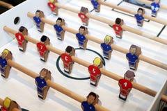 Αναδρομικοί παίκτες επιτραπέζιων παιχνιδιών ποδοσφαίρου Εκλεκτική εστίαση Στοκ Εικόνες