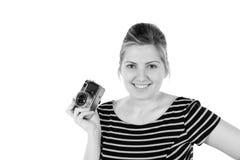 Αναδρομικός μονοχρωματικός όμορφος φωτογράφος γυναικών στοκ φωτογραφία