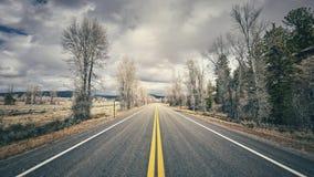 Αναδρομικός τυποποιημένος φυσικός δρόμος, έννοια ταξιδιού Στοκ φωτογραφίες με δικαίωμα ελεύθερης χρήσης