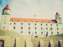 Αναδρομικός φανείτε Μπρατισλάβα Castle, Σλοβακία στοκ φωτογραφία με δικαίωμα ελεύθερης χρήσης