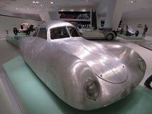 Αναδρομικός-φουτουριστικό πρωτότυπο Μουσείο της Porsche Στοκ φωτογραφίες με δικαίωμα ελεύθερης χρήσης