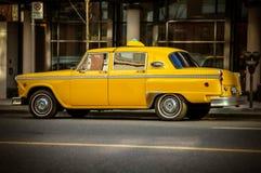 Αναδρομικό αμάξι ταξί στοκ εικόνες