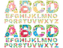 Αναδρομικό αλφάβητο λουλουδιών κεφαλαίο Διανυσματική απεικόνιση