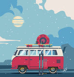 Αναδρομικό φορτηγό ταξιδιού χειμερινού υποβάθρου Στοκ φωτογραφίες με δικαίωμα ελεύθερης χρήσης