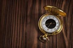 Αναδρομικό χρυσό ρολόι τσεπών Στοκ φωτογραφίες με δικαίωμα ελεύθερης χρήσης