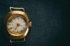 Αναδρομικό χρυσό ρολόι Στοκ φωτογραφίες με δικαίωμα ελεύθερης χρήσης