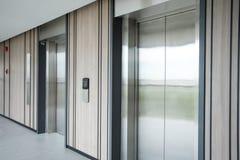 ανελκυστήρας σύγχρονος στοκ εικόνες