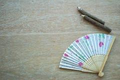 Ανεμιστήρας της Κίνας και ξύλινα μολύβια Στοκ εικόνα με δικαίωμα ελεύθερης χρήσης