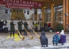 Ανεμιστήρας Alphorn σε μια αγορά εμφάνισης Στοκ Εικόνες